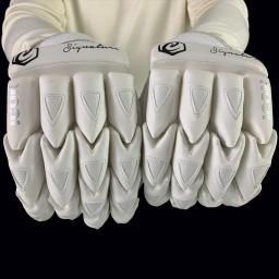 signature gloves 3.jpg