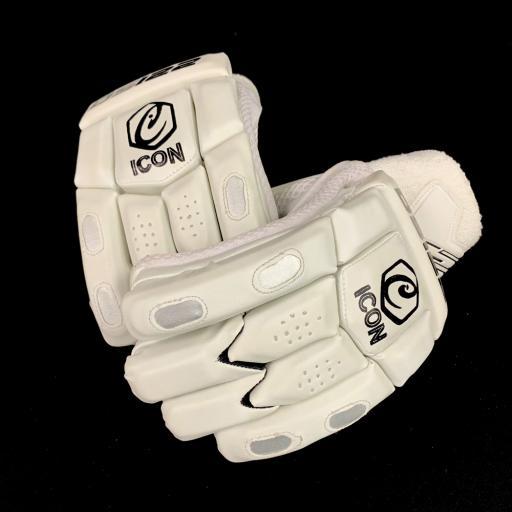 DS122 - Junior Cricket Batting Gloves